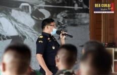 BC Beri Pembekalan Kepabeanan dan Cukai untuk Satgas TNI di Perbatasan - JPNN.com