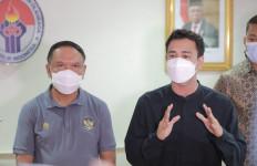 Raffi Ahmad Ajak Menpora Amali Main Bola di Laga Amal Selebritis FC Lawan Timnas - JPNN.com
