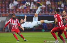 Gol Akrobatik Giroud Keren Banget, Lihat nih Fotonya - JPNN.com