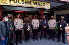 Tegas kepada Pelanggar Prokes, Satpam di Makassar Dapat Penghargaan dari Irjen Suwondo - JPNN.com