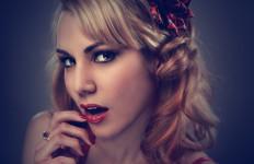 4 Tips Memilih Lipstik Sesuai dengan Warna Rambut - JPNN.com