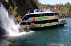 Berminat Keliling Danau Toba, Coba Nih Kapal Wisata Parapat - JPNN.com