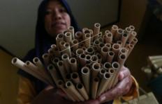 Perjuangan Ibu Mahuni Jaga Pasar Ekspor Kerajinan Bambu, Omzet Rp 20 Juta Per Bulan - JPNN.com