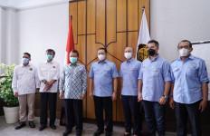 Bertemu Menteri ESDM, Bamsoet Dorong Pengembangan Energi Terbarukan untuk Kendaraan Listrik - JPNN.com