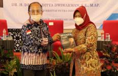 Buku 'Nakhoda Menatap Laut', Syarief Hasan: Kenangan dan Inspirasi bagi Generasi Milenial - JPNN.com