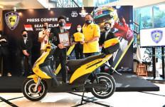 Bamsoet Kukuhkan Atta Halilintar sebagai Presiden Komunitas Motor Listrik Indonesia - JPNN.com