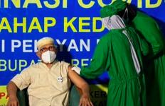 Hamdalah, Gus Mus juga Sudah Divaksin - JPNN.com