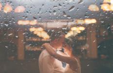 Tidak Perlu Pusing, 3 Tips Ini Akan Membuat Istri Makin Liar di Ranjang - JPNN.com