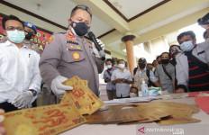 Sindikat Pengedar Uang Asing Palsu di Banyuwangi Digulung Polisi - JPNN.com