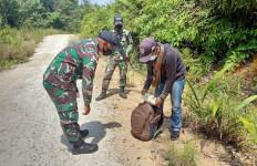 Prajurit TNI Amankan 10 PMI Non-Prosedural Asal Makassar, Pontianak dan Sambas - JPNN.com