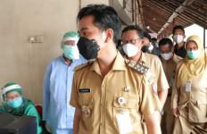 5 Berita Terpopuler: Gibran Mendadak jadi Buah Bibir, Jokowi Harus Bertindak,Ratusan Ribu Guru Agama Ancam Mogok - JPNN.com