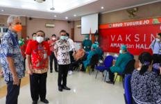 Pak Ganjar Pantau Vaksinasi Covid-19 untuk Pasukan TNI - JPNN.com