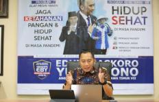 Ibas Salurkan Bantuan Alat Mesin Panen dan Tangki Air Bersih, Begini Respons Warga - JPNN.com