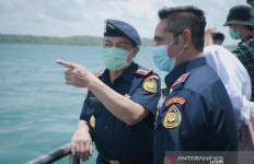 10 Kapal Asing Pencuri Ikan Ditenggelamkan di Perairan Batam - JPNN.com