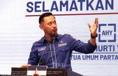 Singgung Moeldoko Mantan Prajurit TNI AD, AHY: Bukan Kesatria, Tidak Patut Dicontoh - JPNN.com