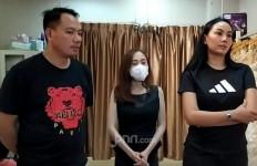 Fitting Baju Pengantin, Vicky Prasetyo dan Kalina Ocktaranny Jadi Menikah? - JPNN.com