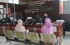Istri Tak Berhijab, Suami Nekat Berbuat Aksi Tak Terpuji - JPNN.com