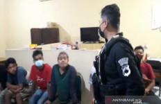 Minum Miras dan Judi Dadu, 5 Warga Ditahan Polresta Surakarta - JPNN.com
