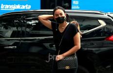 Ditinggal Vicky Prasetyo di Lobi Hotel, Kalina Ocktaranny: Jam 1 Pagi, Berjam-jam Aku di Situ - JPNN.com