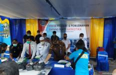 11 Kg Ganja Dibungkus Selimut, Dikirim Lewat Jasa Pengiriman Barang, Tak Ada Pemiliknya - JPNN.com