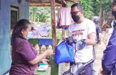 Patut Dicontoh, Komunitas 48Bersepeda Membantu Korban Banjir - JPNN.com