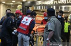 Detik-detik Seorang Pria Melompat di Tunjungan Plaza Surabaya, Menimpa Pengunjung, Ya Tuhan - JPNN.com