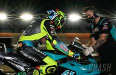 Valentino Rossi Keluhkan Sasis Baru di Motor Petronas Yamaha - JPNN.com