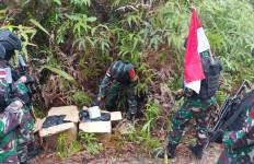 Lihat Nih, Prajurit TNI Temukan 2 Kotak Kardus di Jalur Ilegal, Isinya Bikin Melongo - JPNN.com