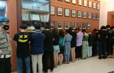 Ada Prostitusi Online di Tangerang, Tarif Rp 500 Ribu Sekali Kencan - JPNN.com