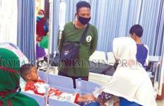 Puluhan Warga Amuntai Keracunan Makanan di Acara Posyandu Desa - JPNN.com