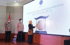 Menteri Ida Didampingi Gibran Rakabuming Raka Buka PBK Angkatan I di BLK Surakarta - JPNN.com