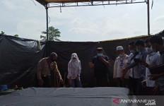 Joko Dedi Kurniawan Meninggal Diduga Disiksa di Polsek, Sunarsih: Saya Meminta Keadilan - JPNN.com