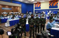 Top, Prajurit TNI AL Makin Percaya Diri Setelah Divaksin - JPNN.com