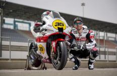 Rayakan 60 Tahun di MotoGP, Yamaha Rilis Motor Balap dengan Warna Spesial - JPNN.com