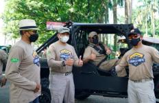 Tak Hanya Salurkan Hobi, Ketua MPR Bersama Komunitas Offroad Salurkan Bansos di Sentul - JPNN.com