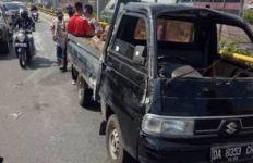 Senggol Mobil Istri Polisi, Sopir Pikap Pilih Kabur dengan Mengebut di Flyover, Begini Jadinya - JPNN.com