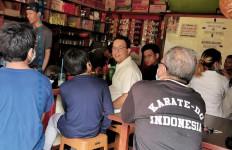 Percakapan Anies Baswedan dengan Pria di Warung Kopi, Bikin Gemas, Lucu sih - JPNN.com