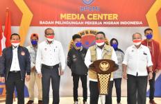 Detik-detik BP2MI Menggerebek Tempat Penampungan Calon PMI Ilegal ke Timur Tengah - JPNN.com