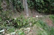 Ruas Jalan Sibolga-Tarutung Kawasan Batu Lubang Tertimbun Longsor, Hati-hati! - JPNN.com