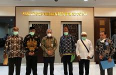 Krisis Listrik di Pulau Buru, Raja dan Tokoh Masyarakat Mengadu ke Istana - JPNN.com