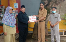 Pesan WA belum Dibalas Gus Yaqut, Guru Agama Honorer Ini Terus Berjuang untuk Ikut Seleksi PPPK 2021 - JPNN.com