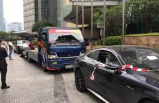 Kejagung Pindahkan Rolls Royce, Mercy dan Teana Milik Tersangka Korupsi Asabri - JPNN.com