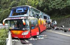 Bus Pariwisata Kecelakaan, Banyak Korban Jiwa, 39 Penumpang Luka-luka - JPNN.com