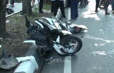 Detik-detik Kecelakaan Maut di Duren Sawit, Tiga Orang Tewas, Mengerikan - JPNN.com