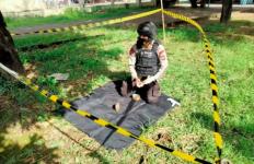 6 Granat Tangan Ditemukan, Taman Raya Bung Hatta Geger, Polisi Bergerak - JPNN.com