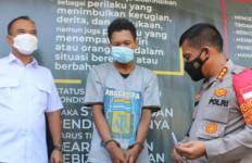 Ayah Penganiaya Bayi 7 Bulan di Depok sudah Ditangkap, Tuh Tampangnya - JPNN.com