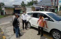 Mobil Kepala Sekolah Dibobol Bandit Pecah Kaca, Uang Rp 100 Juta Raib - JPNN.com