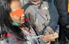 Polisi Bergerak di Jalan Teuku Umar, Kelakuan Perempuan Ini Terbongkar - JPNN.com