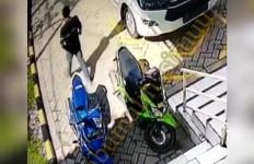 Polisi Sudah Lihat Rekaman CCTV Aksi Bandit Pemecah Kaca Mobil Pak Kepsek, Siap-siap Saja - JPNN.com