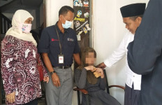 Balai Phala Martha Evakuasi ODGJ Berinisial R yang Dipasung Selama 7 Tahun - JPNN.com